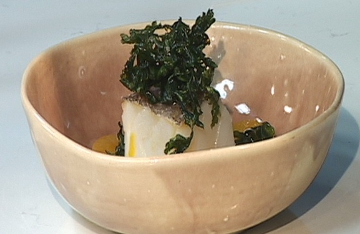 Bacallà amb patates escabetxades i mel de taronger amb safrà